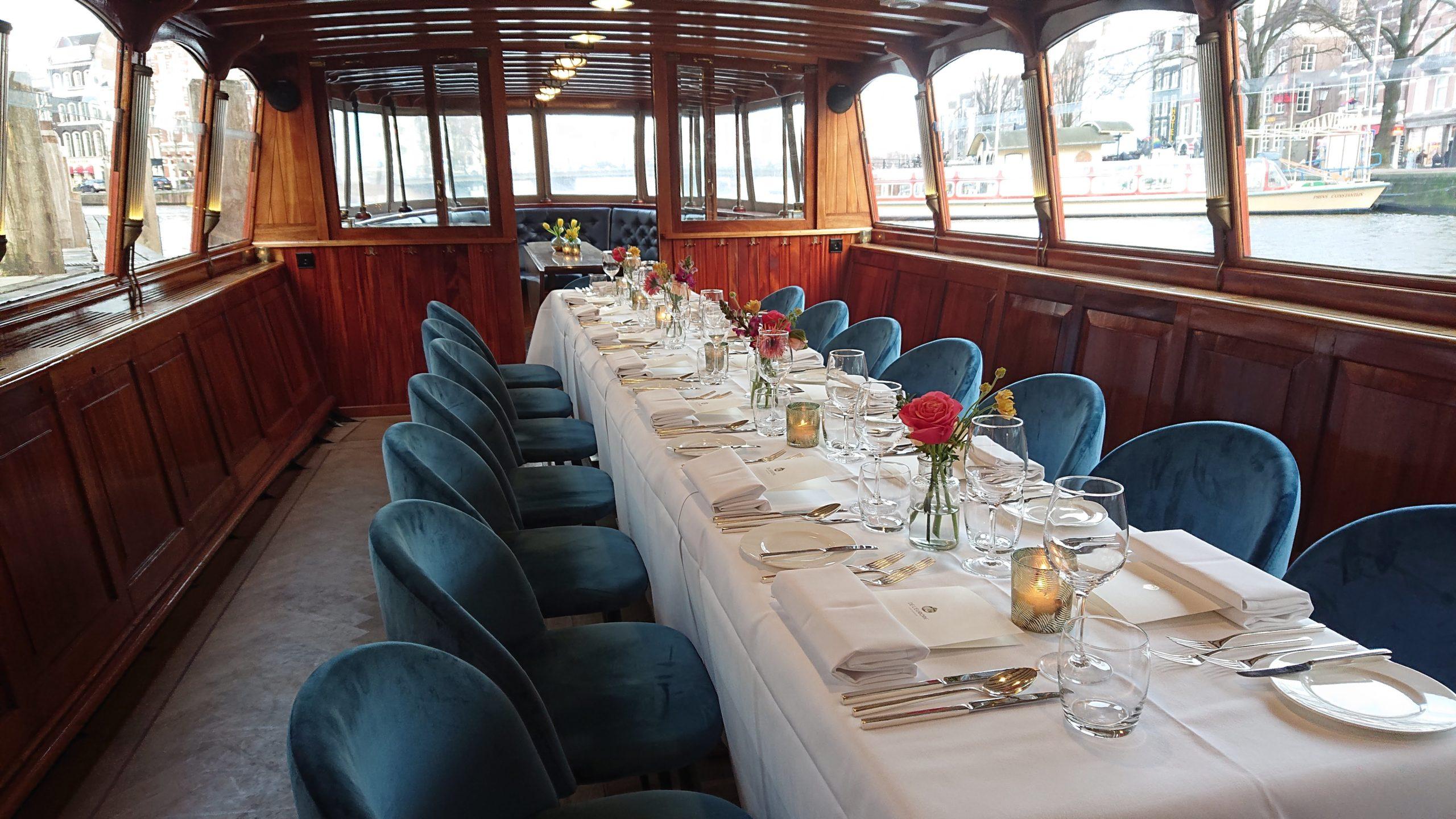 Gedekte tafel Monne de Miranda dinner cruise