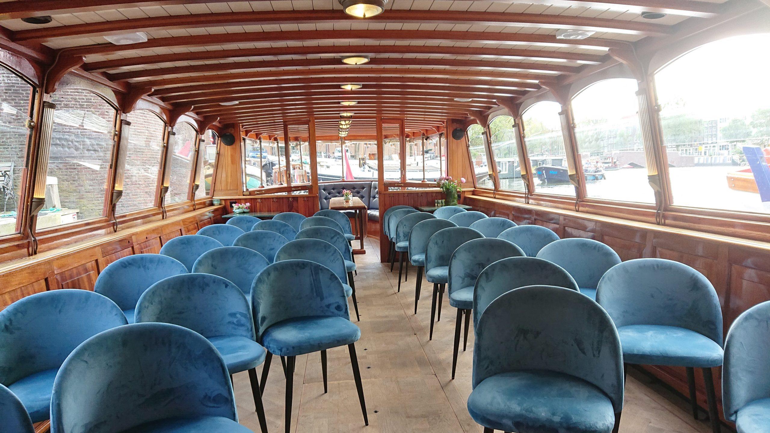 Trouwen op een salonboot in Amsterdam. Monne de Miranda.